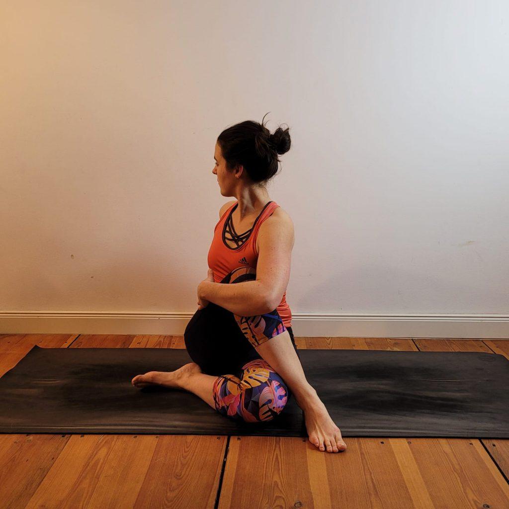 60 Minuten Stunde Rheum-Yoga